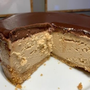 Instant Pot Keto Peanut Butter Chocolate Cheesecake