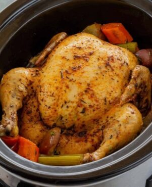 Easy Slow Cooker Whole Chicken & Gravy Recipe